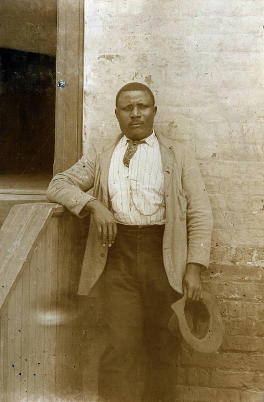 Eli Merritt, college servant in Old West