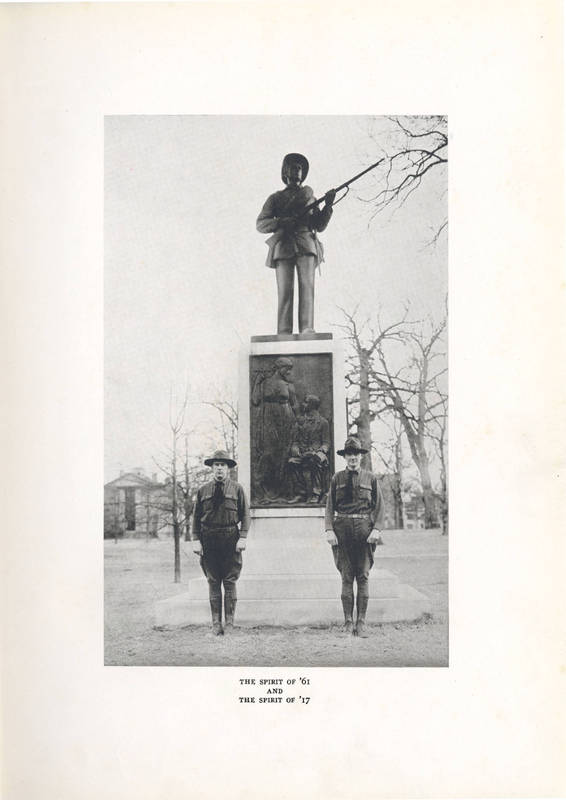 Silent Sam and students in uniform, 1918
