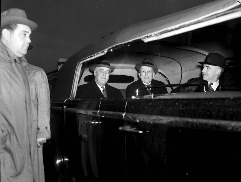 Franklin Delano Roosevelt, Clyde Hoey, and Frank Porter Graham, 1938 (left to right in car)